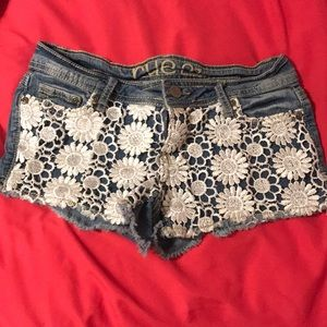Jean shorts with floral lace